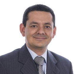200206 Conferencistas-ADULTOS_Peter Vergara